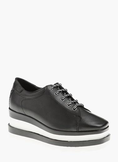 Divarese Dolgu Topuklu Ayakkabı Siyah